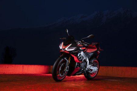 Motocykl Aprilia Tuono V4 Factory